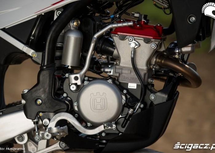 husqvarna tc 250 r prawa strona silnika