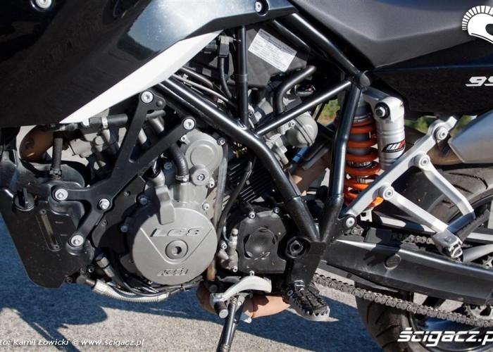 Lewa strona silnika