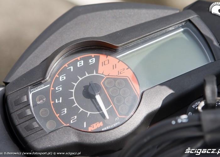 990 supermoto r 2010 zegary