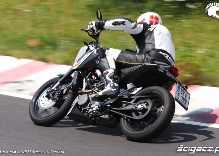 KTM 125 zakret scigacz pl