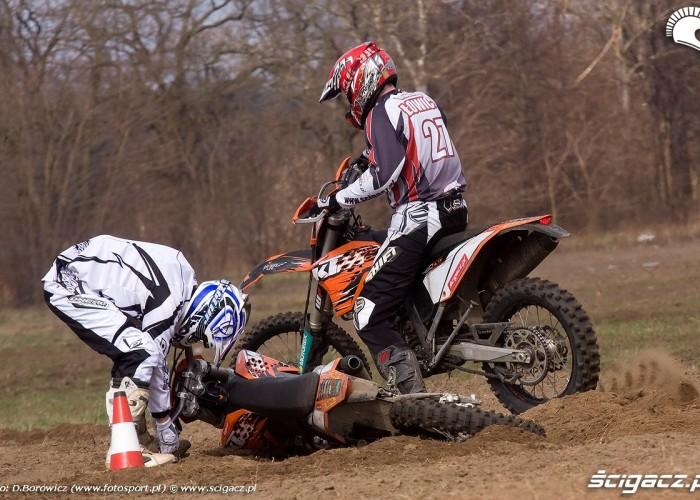 ktm exc250 exc450 2010 gleba na piachu