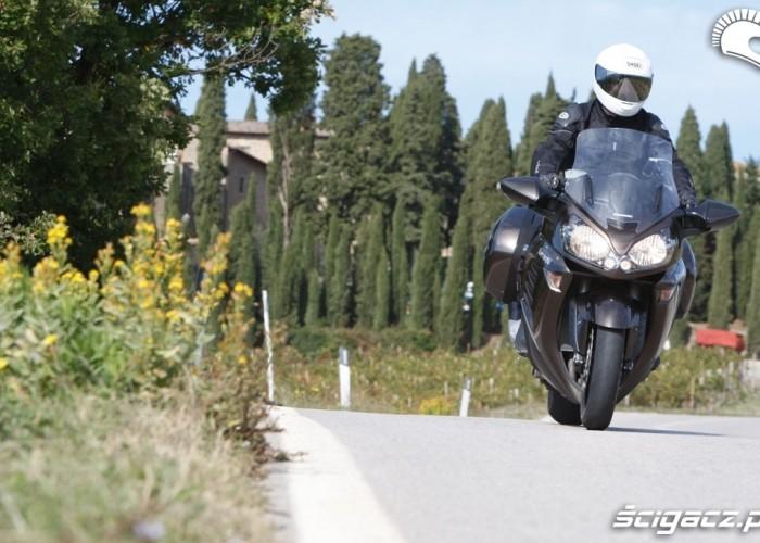 Kawasaki 1400 GTR 2010 lato