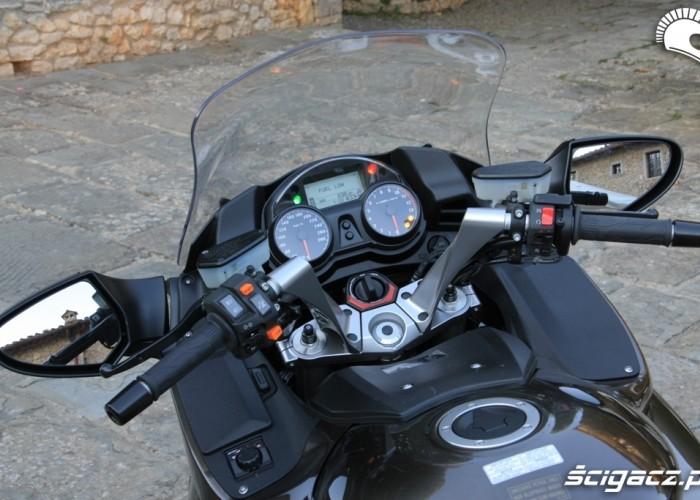Kawasaki 1400 GTR 2010 tablica przyrzadow