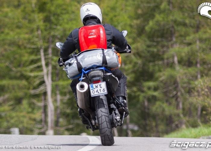 gs800 tyl zakret alpenmasters 2012
