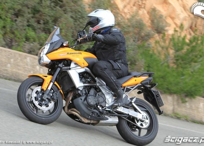 Kawasaki Versys 2010 ciasny prawy