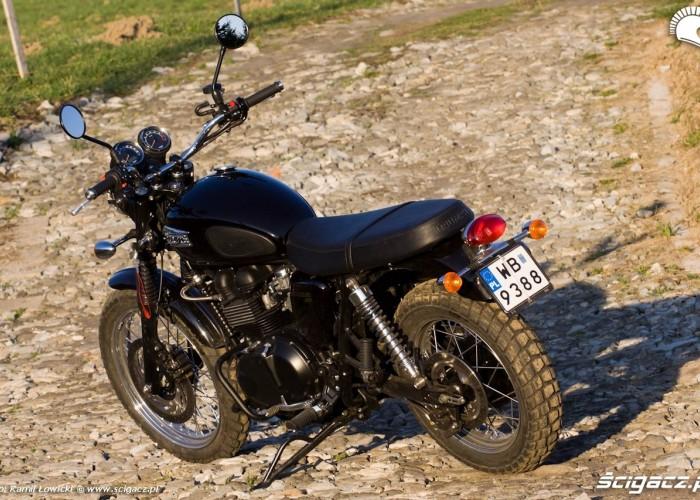 Triumph w sloncu Triumph Scrambler 2011