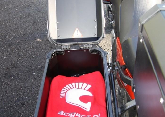 boczny kufer Suzuki DL650 test