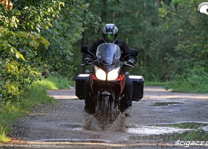 nauka plywania Suzuki DL650 test