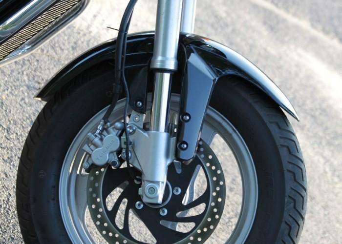 Suzuki Intruder M800 Summer Excurtion przednie kolo