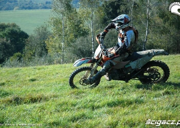 KTM EXC250 2010 lewy zakret
