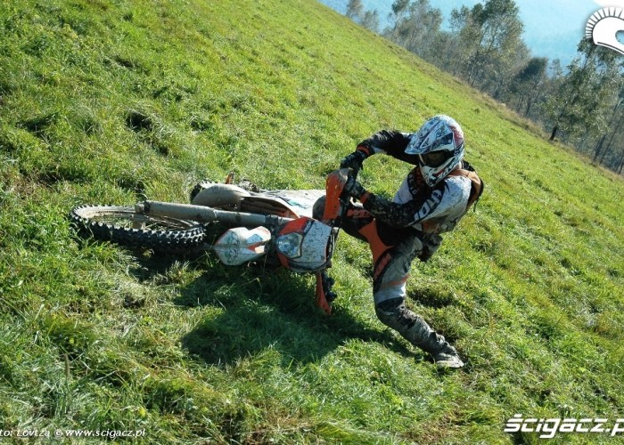 KTM EXC250 2010 upadek