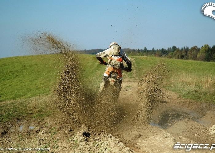 KTM EXC250 2010 w blocie