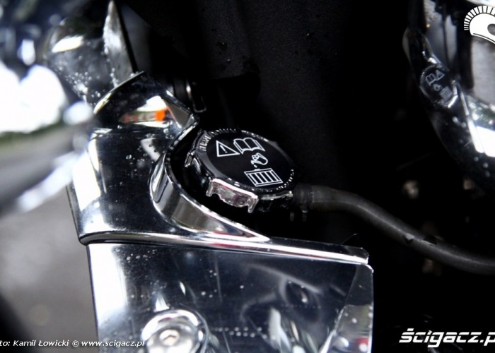 chlodnica Triumph Rocket III Roadster