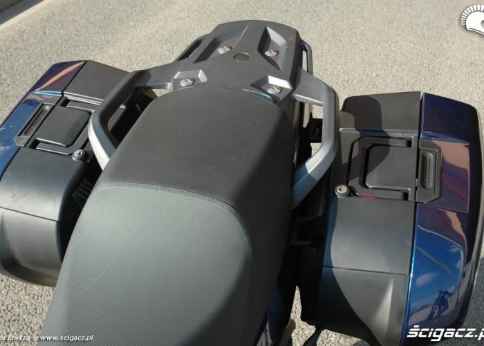 kanapa i kufry Triumph Sprint GT 2011