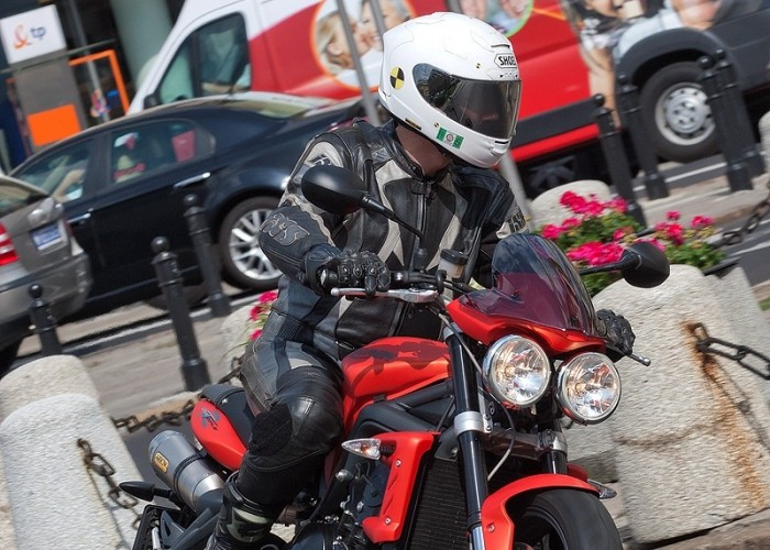 motocykl na ulicy street tripple r triumph test 0189