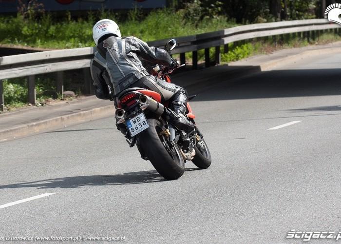 motocykl od tylu street tripple r triumph test 0119