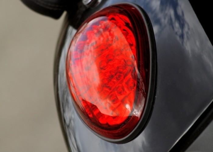 Triumph Thunderbird Storm tylna lampa