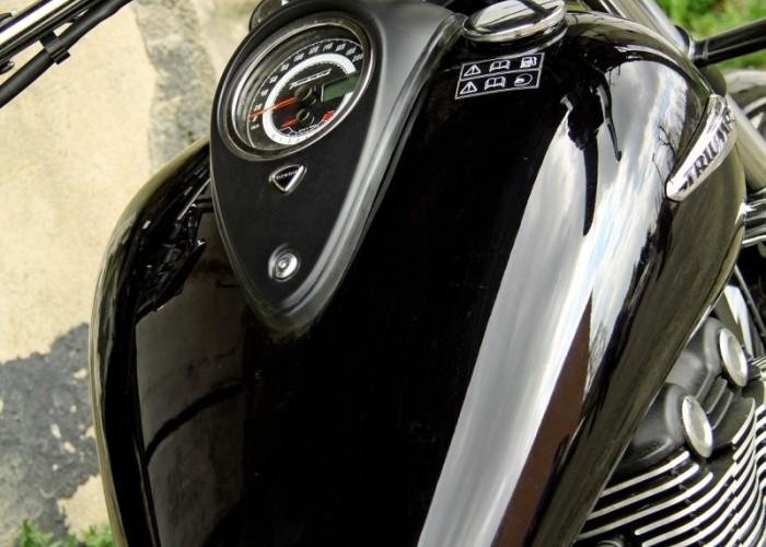 Triumph Thunderbird Storm zbiornik paliwa