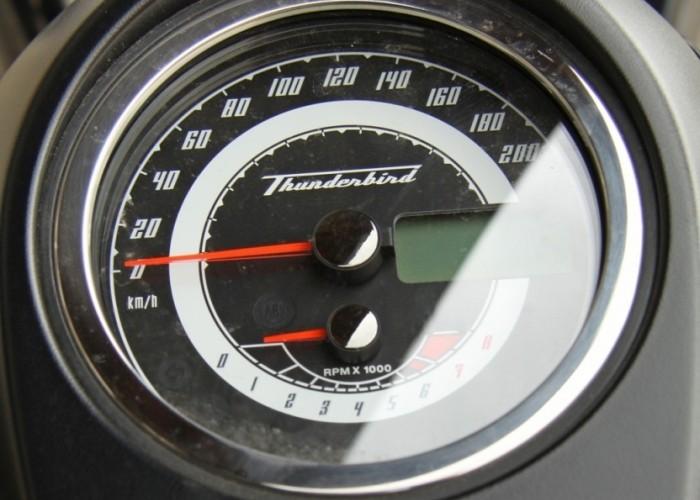 konsola Triumph Thunderbird Storm