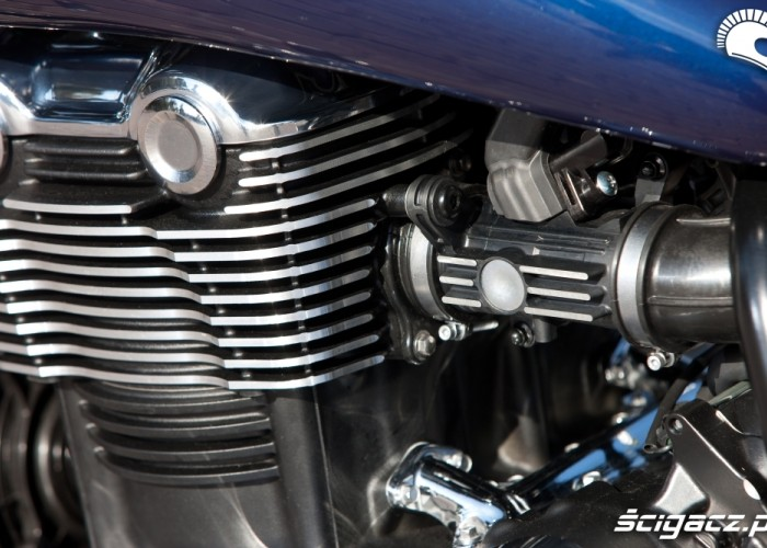 Silnik lewa stronaTriumph Thunderbird