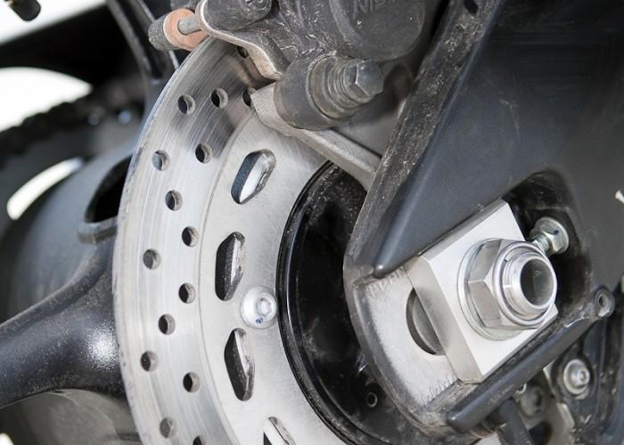 tylny hamulec yamaha fz8 fazer 2010 test motocykla 15