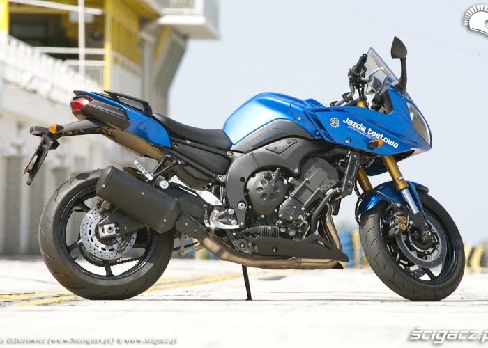 wyglad yamaha fz8 fazer 2010 test motocykla 19