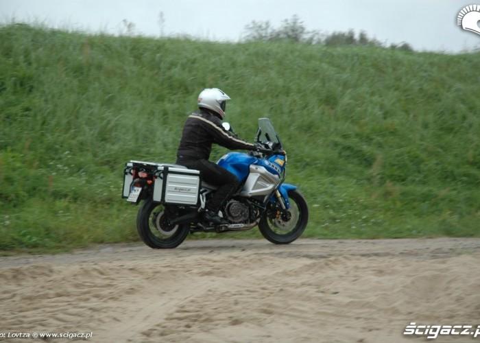 polna droga tyl prawa strona Yamaha XT1200Z Super Tenere