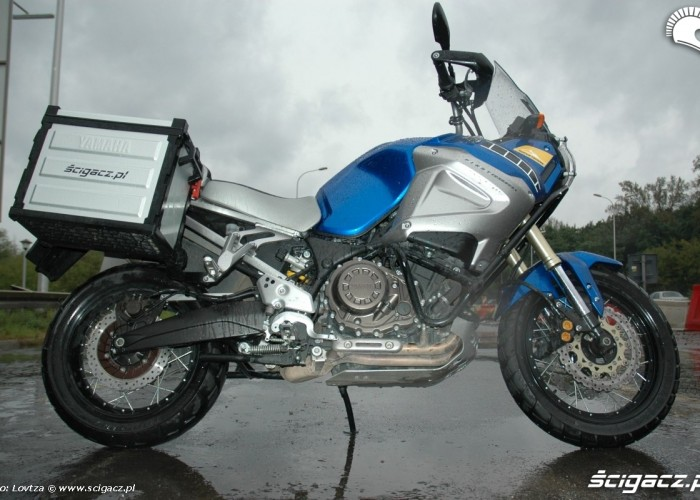 prawa strona Yamaha XT1200Z Super Tenere