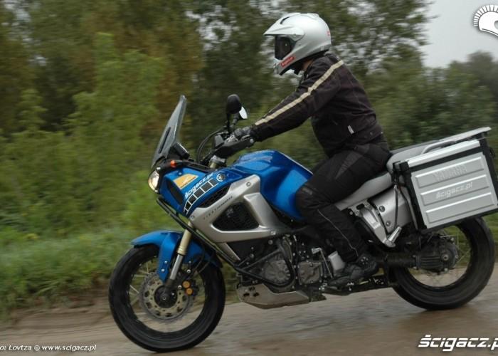 prawy profil Yamaha XT1200Z Super Tenere