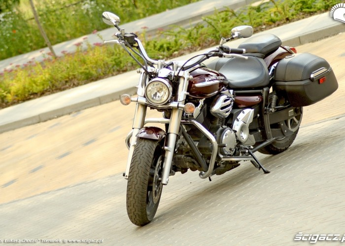 Yamaha XVS950 statyka lewy przod