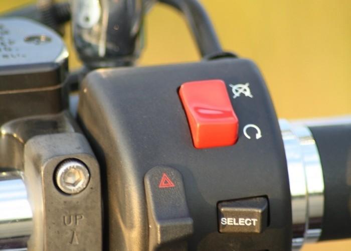 Yamaha XVS950 statyka prawe przelaczniki