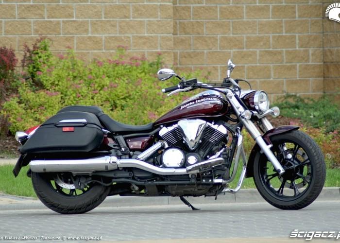 Yamaha XVS950 statyka prawy bok
