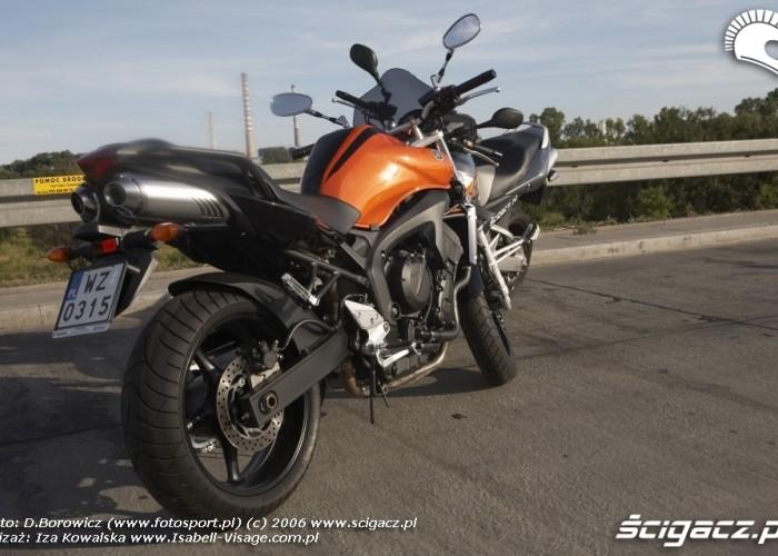 Yamaha kontra Suzuki 05