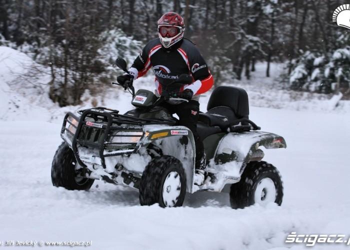 Arctic Cat TRV 700 H1 test snieg jazda