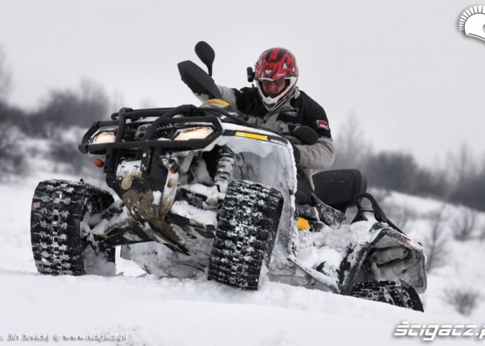 Apache test gasienic podazd quadem pod wzniesienie