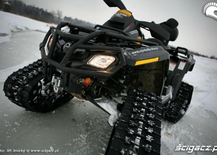 BRP Apache quad can-am outlander