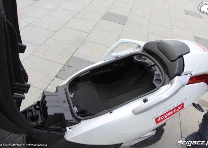 Bagaznik Peugeot Metropolis 400i
