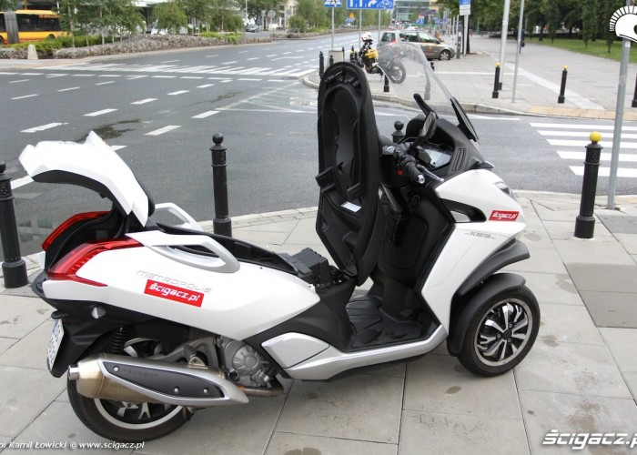 Otwarty Peugeot Metropolis 400i