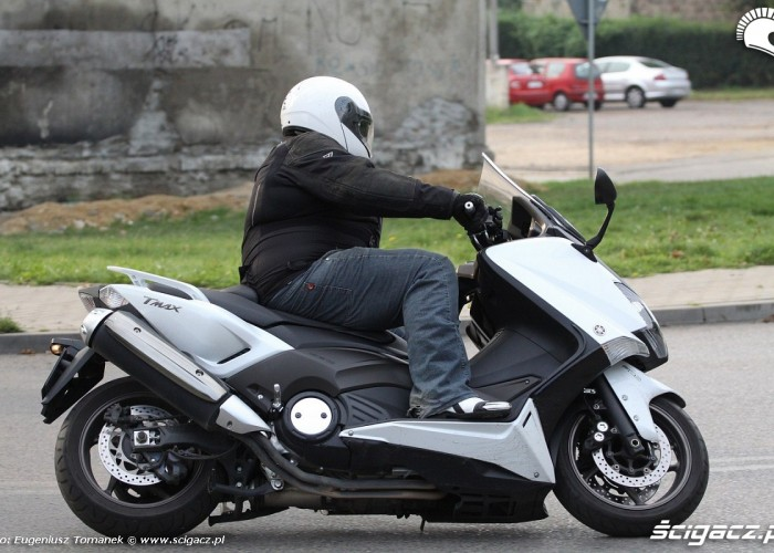 jazda Yamaha Tmax
