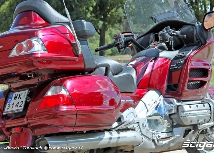 Honda Goldwing w trasie krazownik
