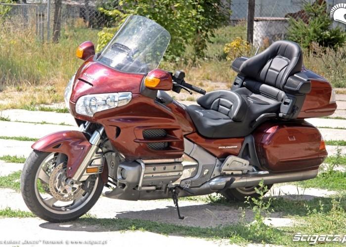 Honda Goldwing w trasie postoj