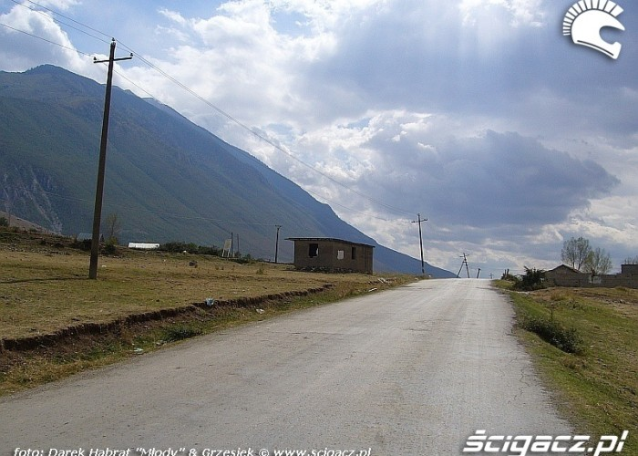 Albania - asfalt