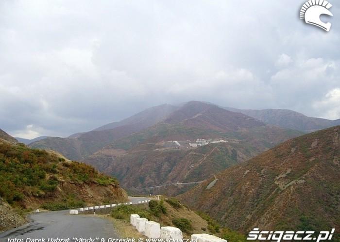 Droga w gorach