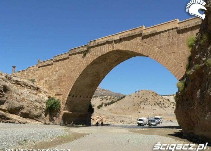most rzymski skuterem do turcji