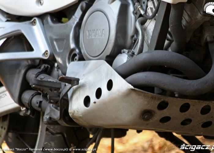 plyta pod silnikiem