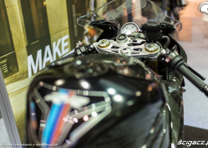 Moto Expo 2017 carbon