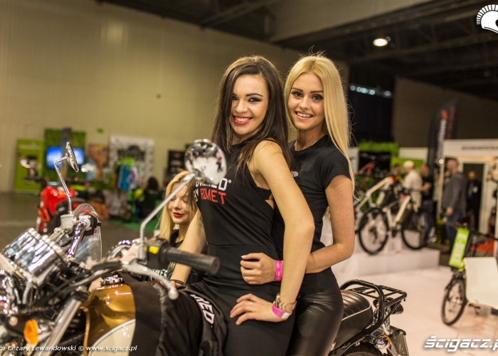 Targi motocyklowe Moto Expo 2017 trojka na motocyklu