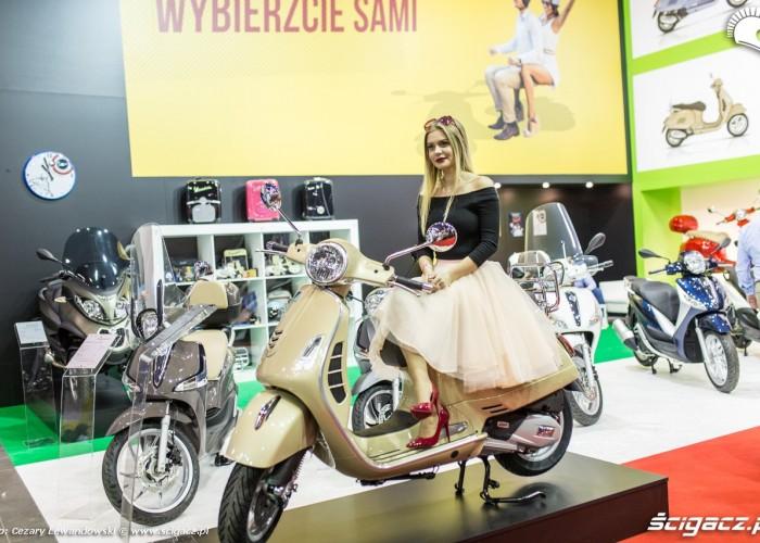 Warszawa Moto Expo 2017 laska na skuterze