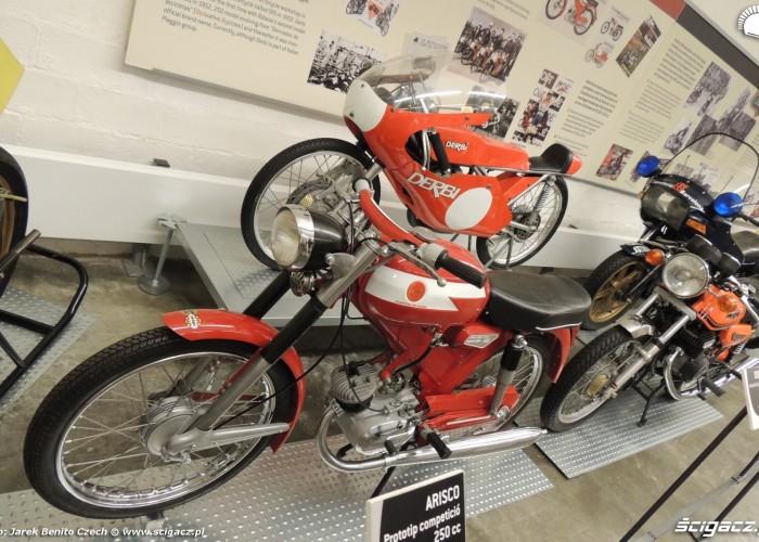 Muzeum motocykli w Barcelonie 28 Derbi