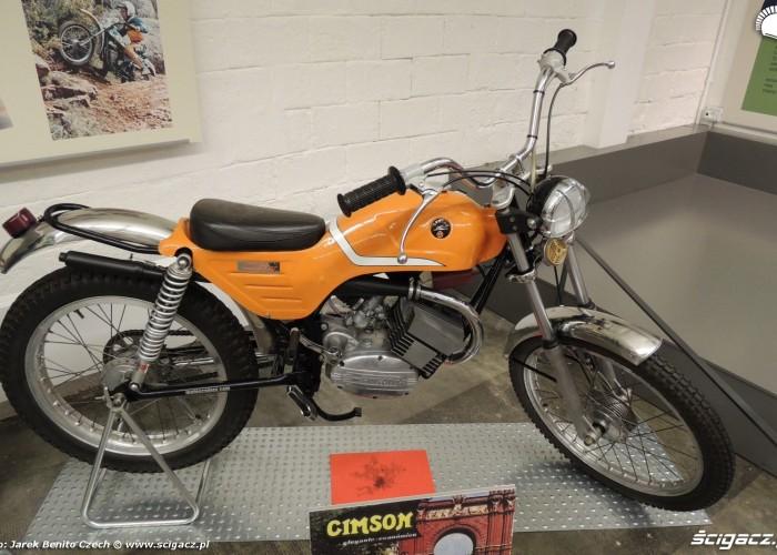 Muzeum motocykli w Barcelonie 32 Cimson
